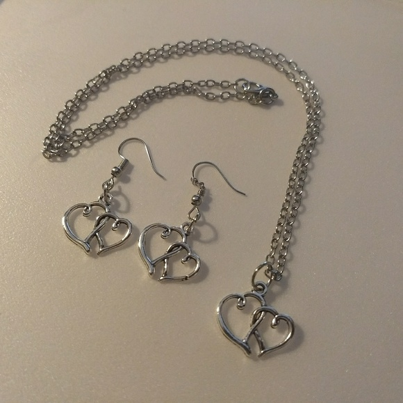 Jewelry - HEART JEWELRY SET - Necklace and Earrings - Silver